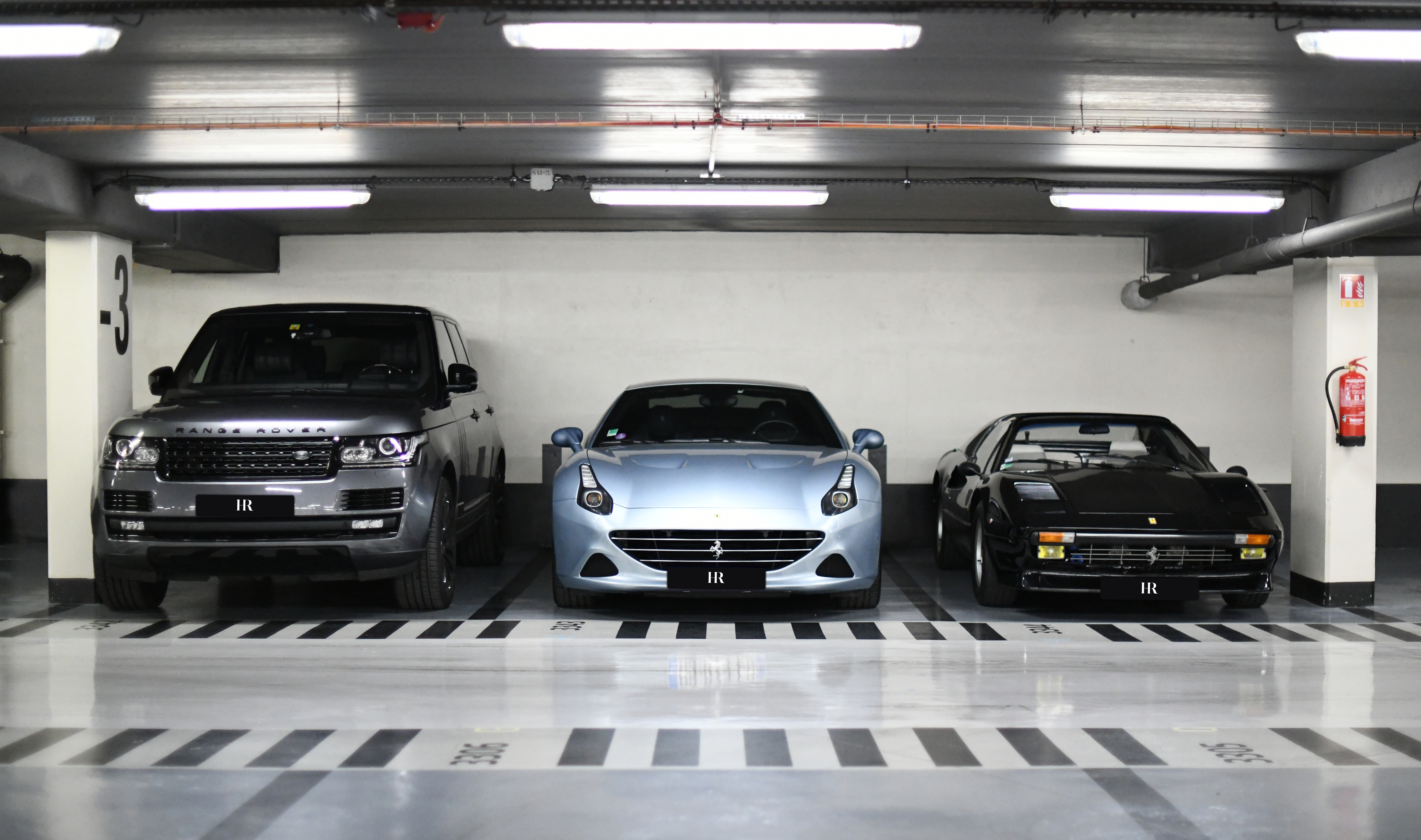 parking voiture de luxe paris